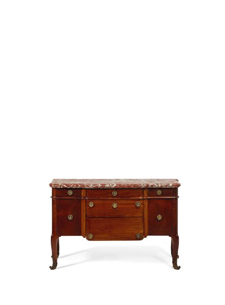 Commode d'époque Transition de Jean-François Oeben, vers 1760 Estimation: 50 000 à 80 000 euros Vente Christie's, 30 novembre
